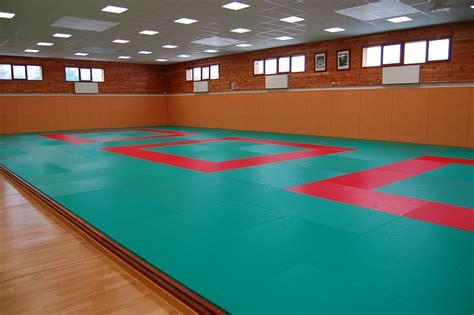 Plancher flottant pour salle de judo Decasport