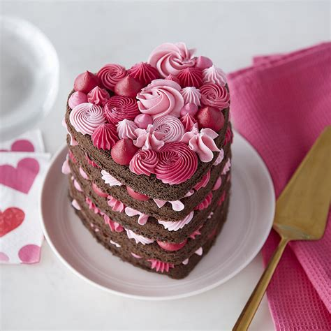 cake wilton heart pink layered