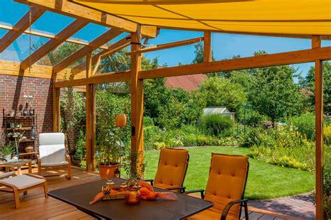 Sichtschutzzaun Terrasse Und Garten Vor Fremden Blicken Schuetzen by Gartengestaltung 12 Tipps Rund Um Die Gestaltung Ihres
