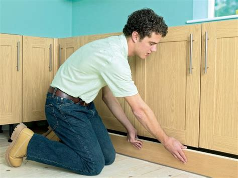 diy installing kitchen cabinets how to install new kitchen cabinets how tos diy 6814