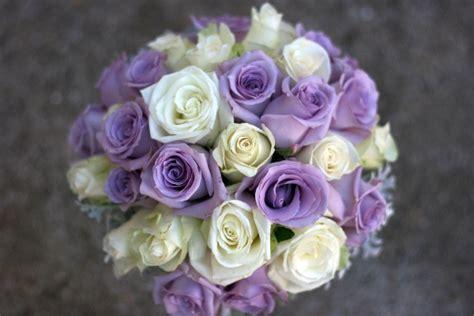 menyasszonyi csokrok  lila ezer arnyalataban weddingfactory