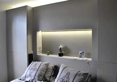 console de chambre tête de lit console faite avec coffrage bois dans chambre