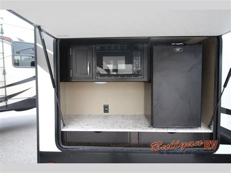 bunkhouse travel trailer rvs large selection  family friendly campers bullyan rvs blog
