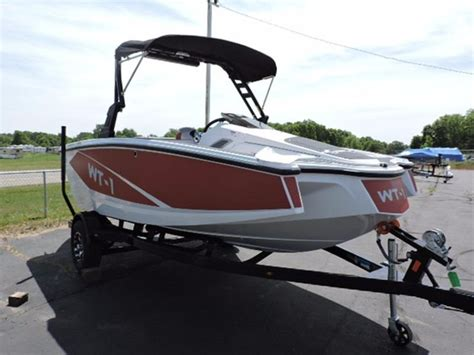 Wt 1 Boat by 2016 New Heyday Wt 1 Ski And Wakeboard Boat For Sale