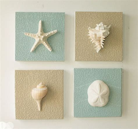 Clever way to display your favourite sea shells using an old pinboard and a little bit of spray paint. Beach Decor on Driftwood Panel for Coastal wall by BeachArtDesigns, $32.00 | Coastal wall decor ...