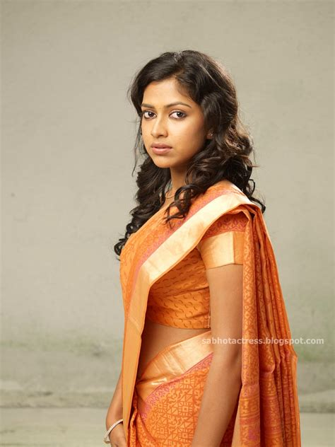 amala paul in hip show in saree gallery