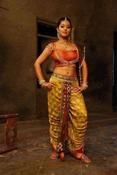 Sneha Actress Tamil Gorgeous Stills Navel Latest