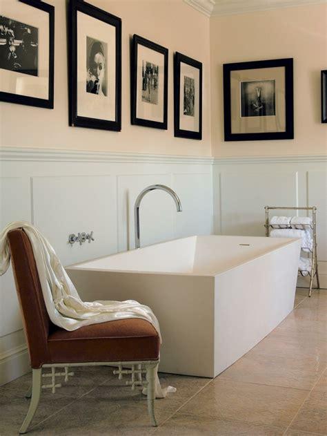 fauteuil de salle de bain fauteuil crapaud et comment l int 233 grer dans d 233 cor moderne