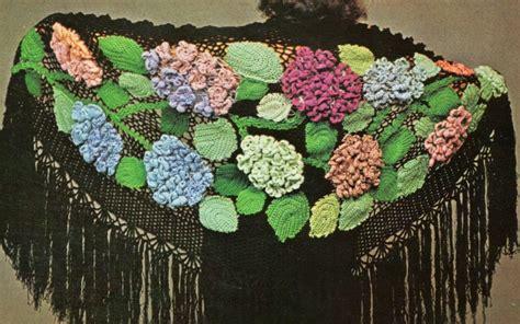 scialle uncinetto con fiori professione donna lavori con l uncinetto scialle nero