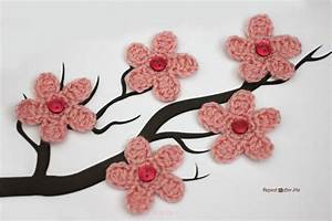 آموزش قلاب بافی ایده بافت شکوفه های گیلاس برای روی کلاه