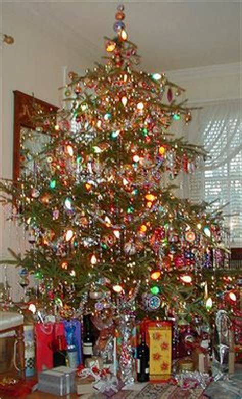 decorating a christmas tree to look old fashioned talking about at passover gregory eran gronbacher