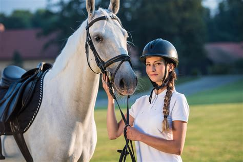 equestrian college horse teams colleges woman young california southern portrait standing state university simonkr getty