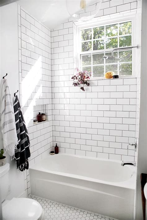 Bathroom White Tiles by Best 20 White Bathroom Tiles Ideas Diy Design Decor