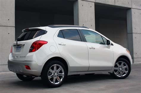 Buick Encore by 2013 Buick Encore Nets Strong Iihs Nhtsa Safety Scores