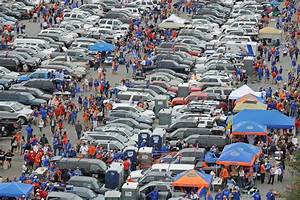 10 Best College Football Tailgating Traditions