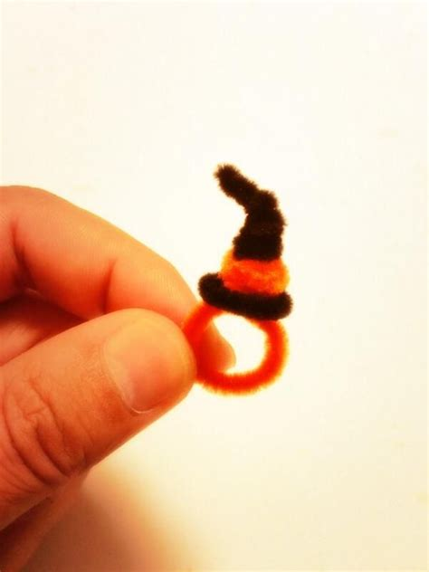 Halloween Pipe Cleaner Ring