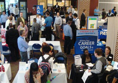 what to do at career fair 5 things to do before attending a job fair careers