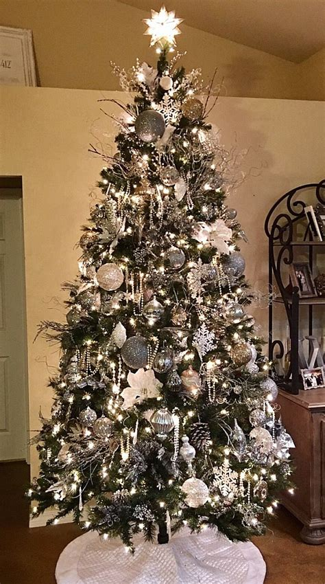 silver and christmas tree best 25 silver christmas tree ideas on white 6312