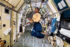 First cosplay in space is a Star Trek astronaut - Geek.com