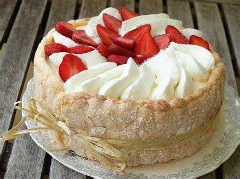 aux fraises et bavarois de fromage blanc 640x480 jpg
