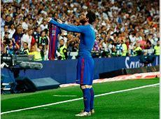 El Clasico Messi heroic, opens up La Liga race for
