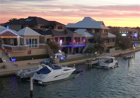 Mandurah Boat Xmas Lights by 32 Best Christmas And New Year S Images On Pinterest
