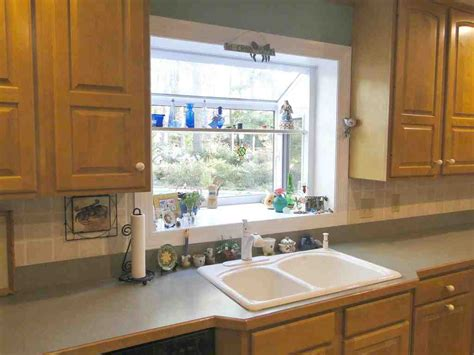 Decorating Ideas For Kitchen Windows by 5 Amazing Modern Design Ideas For A Small Kitchen