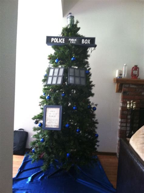 doctor who christmas tree d deck the halls pinterest