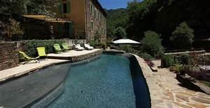 Diffazur lyon une piscine en bton en le de piscines for Exceptional piscine forme libre avec plage 2 piscine piscines formes libres