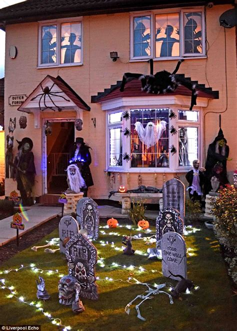 The Best Decorated House For - thought festive homes were a horror look at the new fad