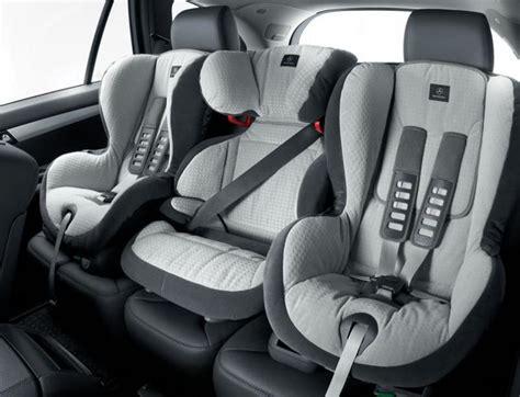 comment mettre un siege auto sièges auto comment choisir le plus en sécurisant pour