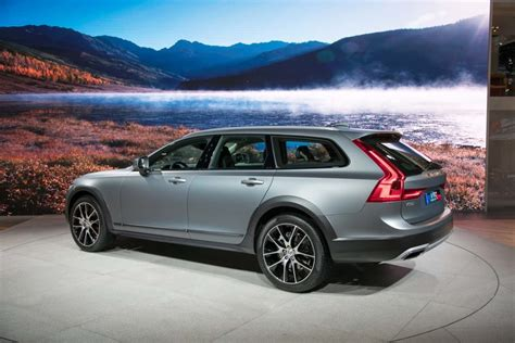 volvo v90 cross country its main rule is comfort