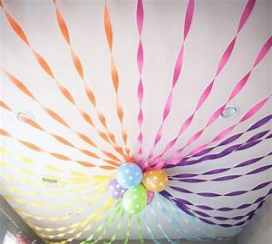 Love this balloon ceiling decorations with streamers for Ceiling streamers