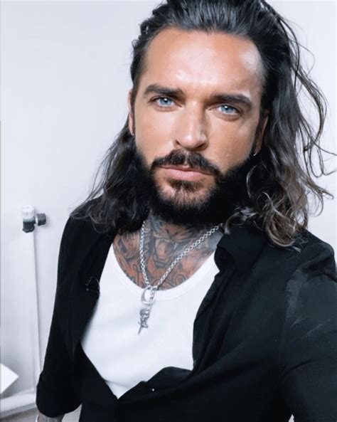 Pete Wicks says he 'massively regrets' starring in TOWIE ...
