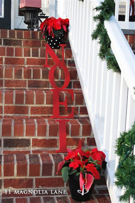 ideas for decorating iron fence posts for christmas 17 best images about fence ideas on picket fences snow and fence posts