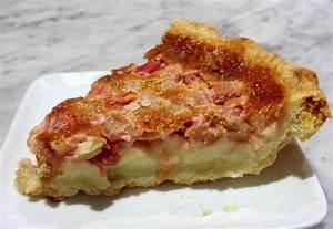 A Cake Bakes in Brooklyn: Rhubarb Custard Pie