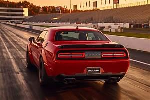 Dodge Challenger Srt Demon 2018 : 2018 dodge challenger srt demon allocation plan dissuades price hikes motor trend ~ Medecine-chirurgie-esthetiques.com Avis de Voitures