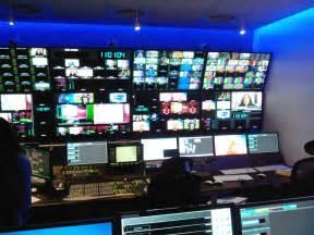 siege de bfm tv visite des locaux de bfm tv médias littérature et