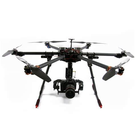drone professionale pronto al volo  gimbal  assi  canon dnikon dslr  blackmagic