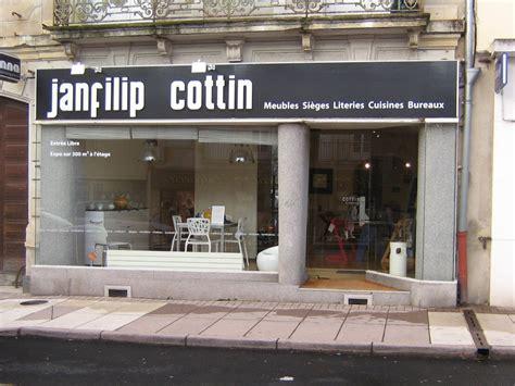 magasin spécialisé cuisine table rabattable cuisine but magasin meuble