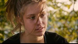 BLUE IS THE WARMEST COLOUR: THE REVIEW | Salty Popcorn