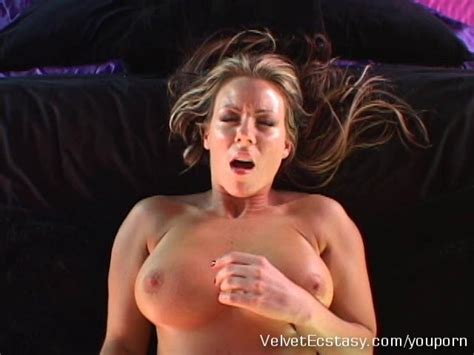 Hot Milf With Big Natural Tits Cums Hard In Pov Free