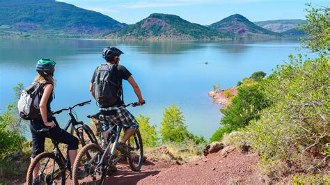 le lac du salagou  vtt
