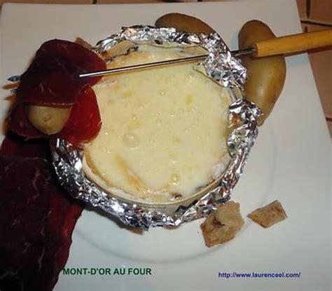 mont d or au four temps de cuisson cuisson mont d or four 28 images mont d or au four la bo 238 te chaude recette tangerine
