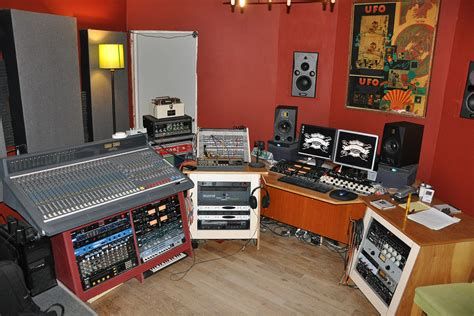 Acadia Recording Studio - Foundation House - Sober Living ...