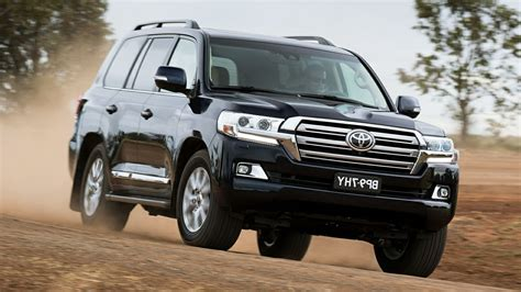 Toyota Car Wallpaper Hd by 2017 Toyota Land Cruiser Hd Car Pictures Wallpapers