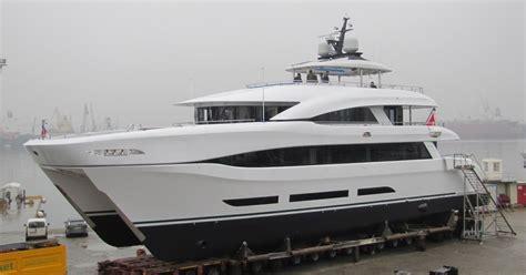 Luxury Catamaran: LAUNCH OF SUPER LUXURY CATAMARAN ...