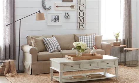 elegant farmhouse decor living room joanna gaines