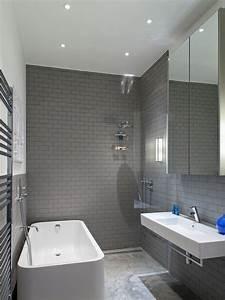 101 photos de salle de bains moderne qui vous inspireront With carrelage adhesif salle de bain avec suspended led lighting