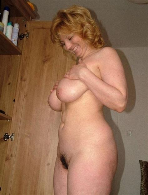In Gallery Busty Blonde MILF Sylvia Picture